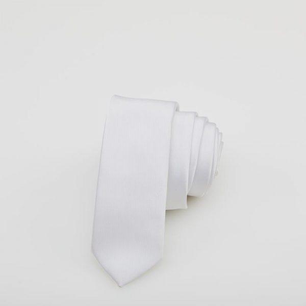 Cravată albă cu dungi verticale